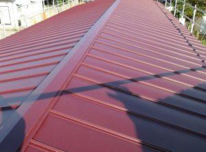 屋根 色 ワインレッド