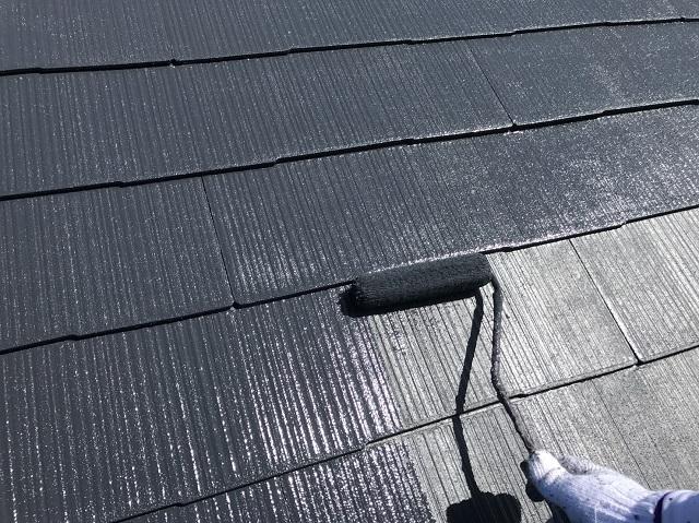 屋根のペンキ塗り