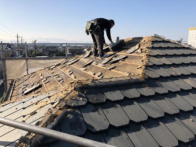瓦屋根の葺き替えリフォーム費用