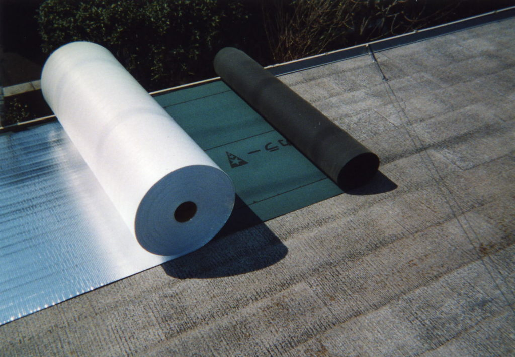 屋根 カバー費用