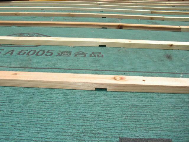 屋根瓦桟木