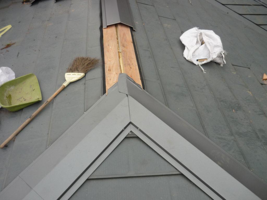屋根工事 棟板金